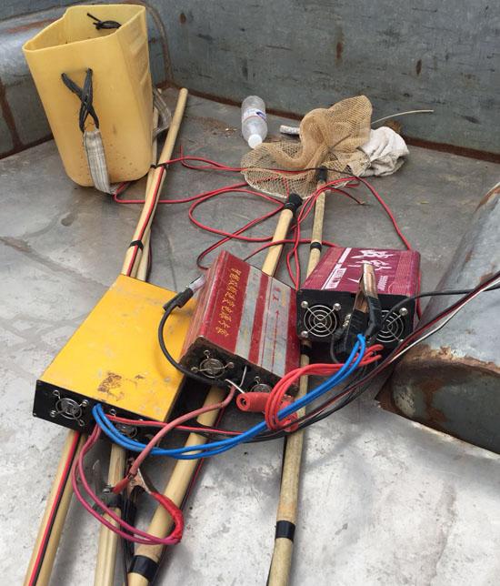 兴国渔政管理局查处一起非法电鱼案件