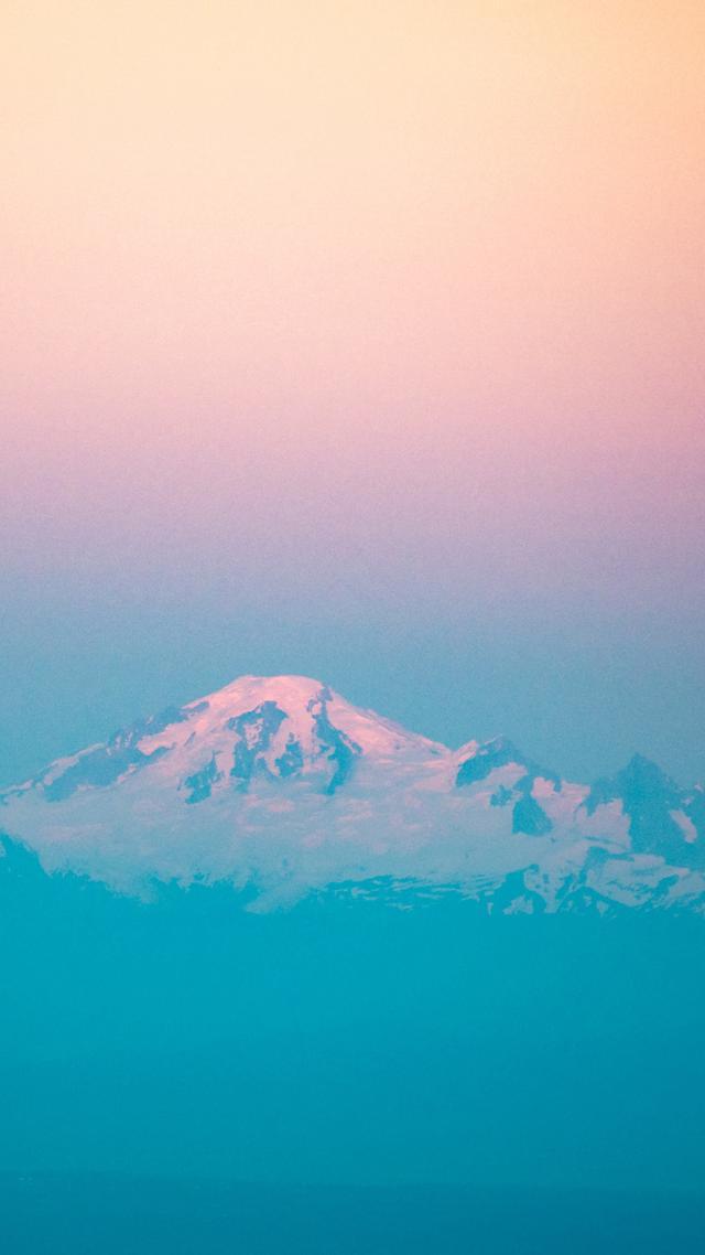 HD高清手机壁纸,山谷中的岚风带着浓重的凉意,驱赶着白色的雾气